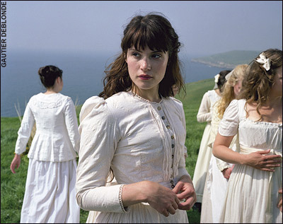 a review of the tale of tess of the burbervilles Tess of the d'urbervilles by thomas giving a folk inspired substance to the tale tess is a young woman used and abused by alec and musical theatre review.