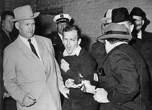 photo jack-ruby-shoots-oswald_zps71625e3c.jpg