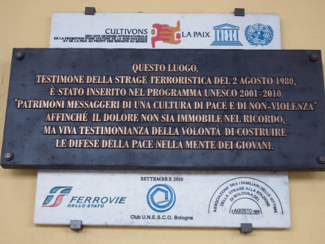 Plaque commemorating the tragedy of the terrorist bombing