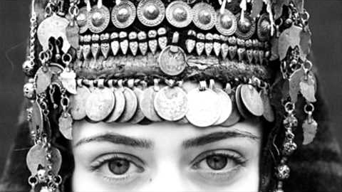 photo headdress.jpg