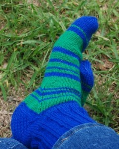 blue-green-striped-socks002