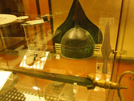 Etruscan weapons
