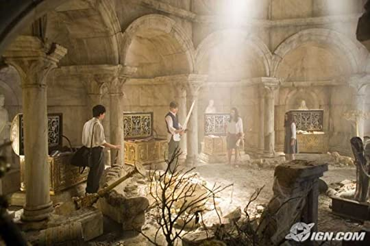 The Pevensies in the ruins of Cair Paravel castle