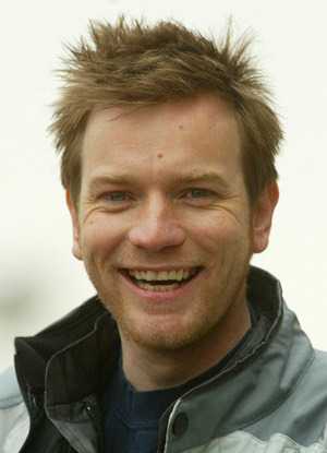Ewan McGreggor, looking hot, also grinning