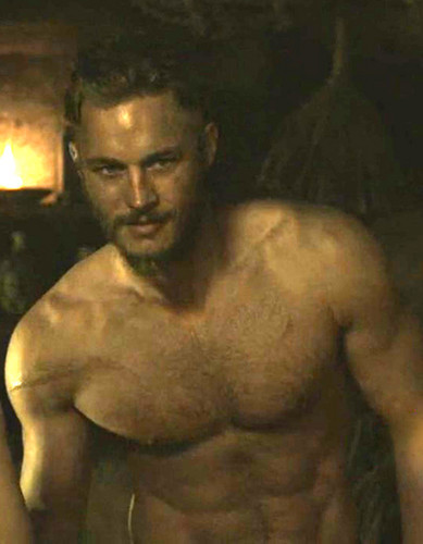 photo Ragnar-Lothbrok-vikings-tv-series-34256563-389-500_zpsbe2b417b.jpg