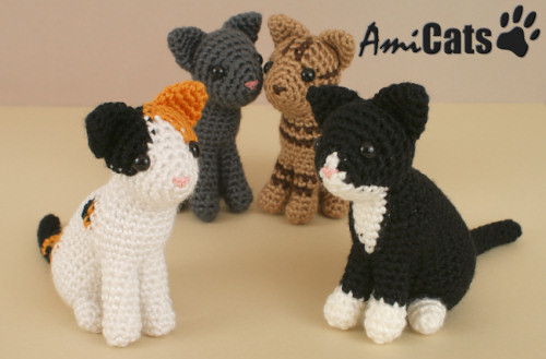 Free Little Kitty Cat Amigurumi Crochet Pattern And Tutorial : June Gilbanks Blog - AmiCats crochet patterns! - January ...