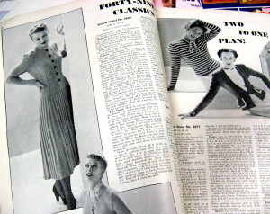 1949 knitted fashions.
