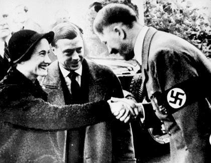 photo Duke_and_Duchess_of_Windsor_meet_Adolf_Hitler_1937_zpshlosfu4i.jpg