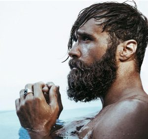 italian-bearded-man-in-water