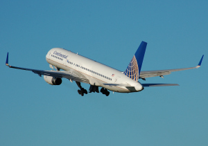 Continental.airlines.b757-200.takeoff.arp