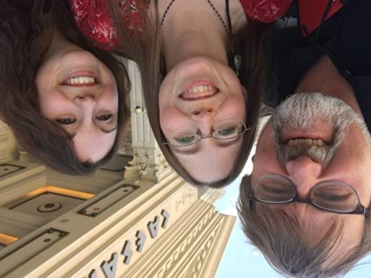 A funny selfie at Caeser's with Raw Doggers Jen Barnes and Stephanie Wytovich