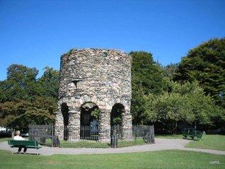 New Englands Narragansett Rune Stone. (Icelandic colony in Rhode Island.)
