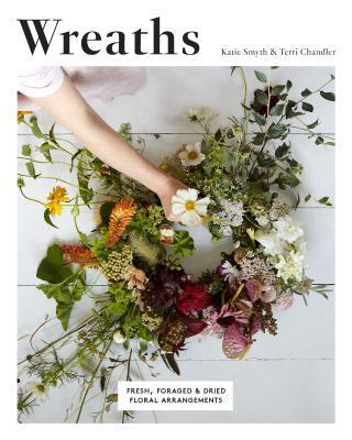 Wreaths Fresh, Foraged & Dried Floral Arrangements