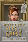 Mrs Pettigrew Sees a Ghost (Charity Shop Haunted Mystery, #1)