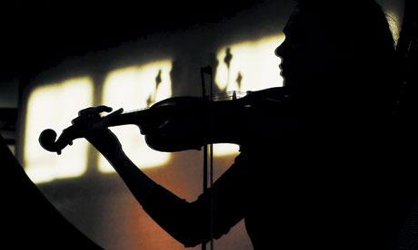 photo Woman-playing-the-violin-007_zps68a4b963.jpg