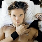 photo sensual-robert-pattinson-18397012-1700-1700_zps91a1a056.jpg