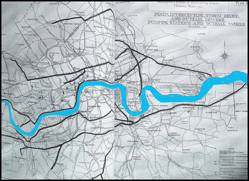 Bazalgette's system of intercepting sewers in London, printed by Thames Water plc in November 1930.