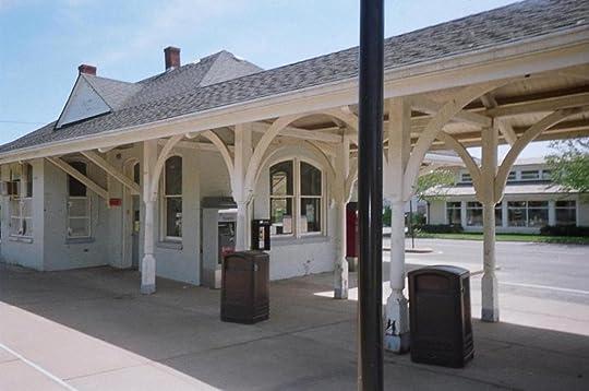 photo East_Hampton_LIRR_Station-2_zps4a4d0c1b.jpg