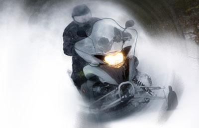 photo snowmobile2_zpsf151700e.jpg