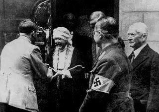 Elizabeth Forster-Nietzsche and Adolf Hitler