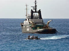 Svitzer Singapore, the tug from Cape Town, unloading at Tristan on April 5, 2011. Photo by Katrien Herian