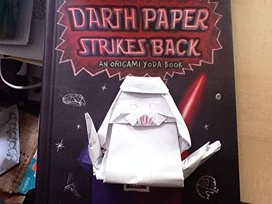 How to make THE ORIGAMI COVER YODA - YouTube | 405x540