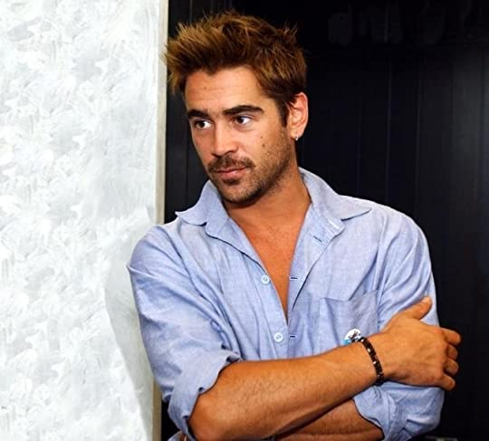 photo Colin-Wallpaper-colin-farrell-10696564-800-604.jpg