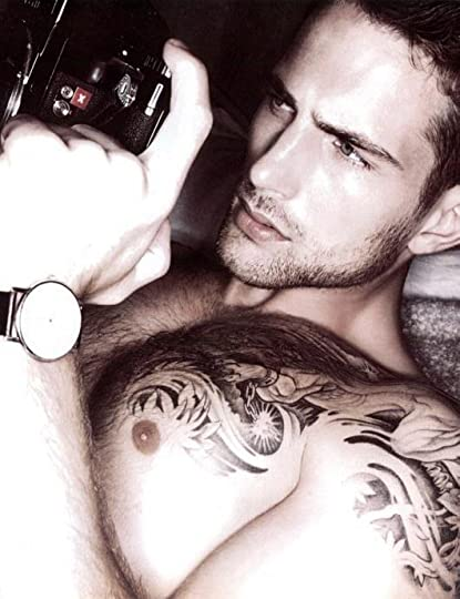 photo beautiful-body-camera-guy-Favimcom-886718.jpg