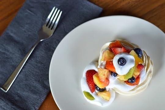 Gossamer Wing Fruit-Bedecked Meringue