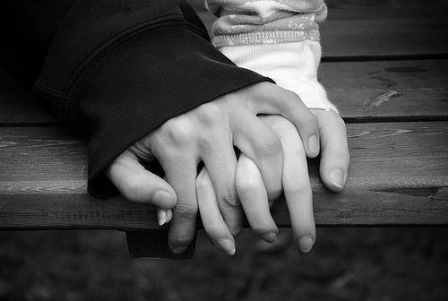 photo black-amp-white-hands-love-photography-Favimcom-253142.jpg
