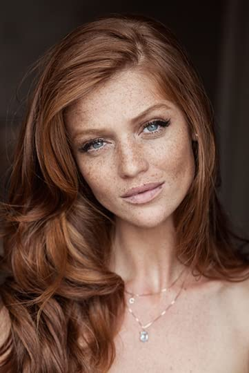 photo Make-Up-Inspiration-For-Brides-with-Freckles-Bridal-Musings-Wedding-Blog-11.png