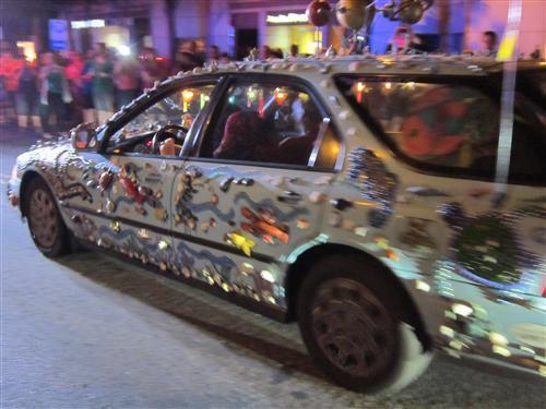 photo seashell-car-gay-pride-parade-2.jpg