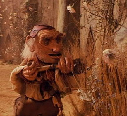 hoggle spraying the fairies
