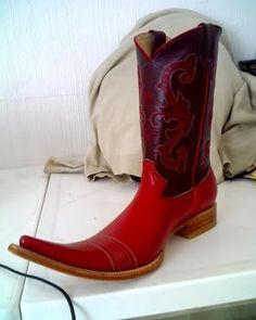 red mexican pointy boots - Google Search: