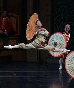 Nutcracker Chinese Dance