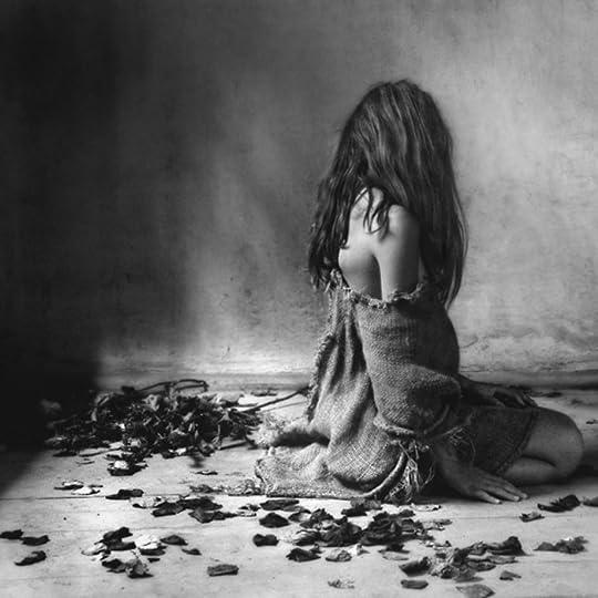 photo Mocanu-bw-blackwhite-Tremendo-artistic-black-and-white-photography-woman-sadness-sad-beauty_large_zpsovxarjim.jpg