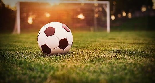 كتاب كرة القدم بين الشمس والظل