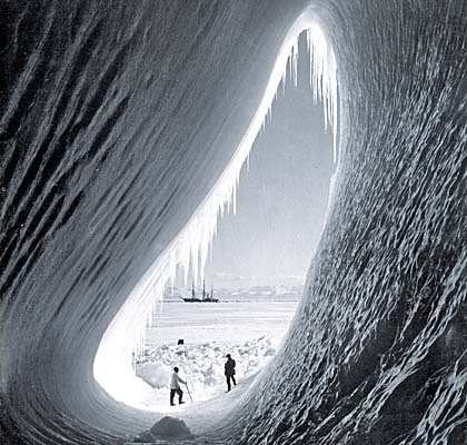 photo Polar Exploration - Antarctica Ice Grotto_zpsztzwxhby.jpg