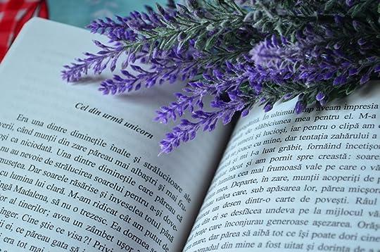Simona's 'autori-din-romania' books on Goodreads (58 books)