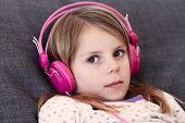 girl in pink headphones: