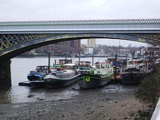 photo House Boats Battersea Reach_zpsmj3iroif.jpg