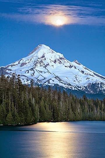 Lost Lake, is in the Mount Hood National Forest. It is 16.2 kilometers northwest of Mount Hood, in Hood River County, Oregon.: