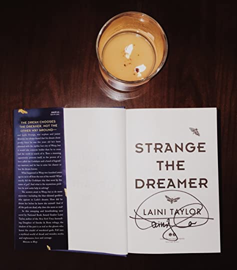 Strange the dreamer strange the dreamer 1 by laini taylor on the second sabbat of twelfthmoon in the city of weep a girl fell from the sky her skin was blue her blood was red fandeluxe Gallery