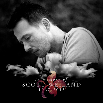 photo scott-weiland-in-memory-of-promo-photo-33mons339696-e1449342403823.png