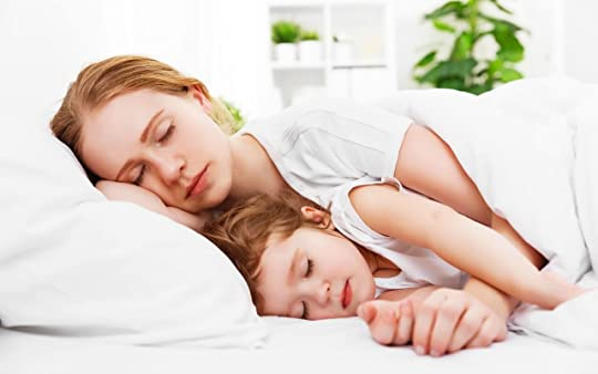 Co-sleeping mother and toddler - Momsanity