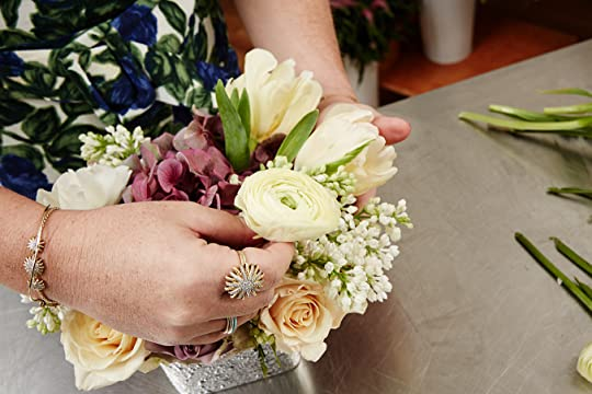 How To Make A Killer Flower Arrangement - B.Floral Guest Post - The LV Guide