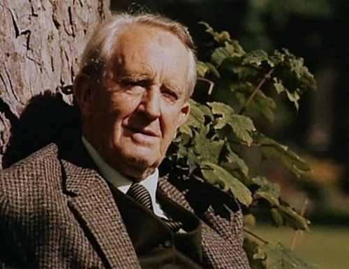Tolkien by a tree