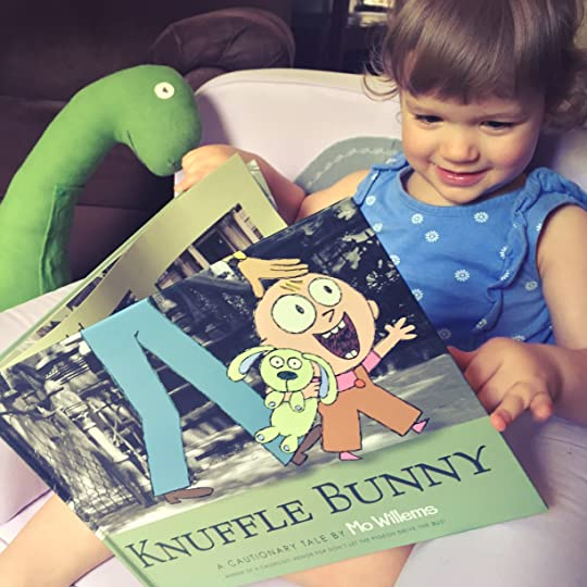 https://thebabybookwormblog.wordpress.com/2017/06/18/knuffle-bunny-a-cautionary-tale-mo-willems/