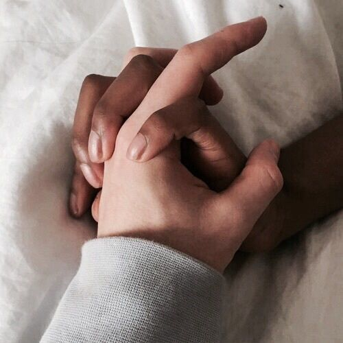 aesthetic, hands, and couple image