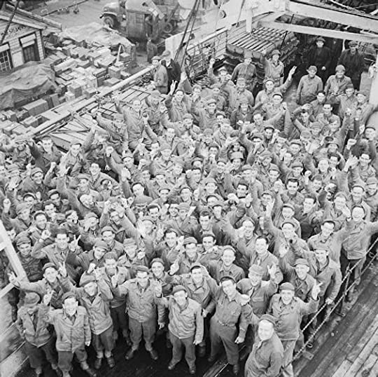 US troops give the 'V' sign as their troopship, Athlone Castle, berths at Liverpool, 4 or 5 April 1944 (Imperial War Museum: H 37397)